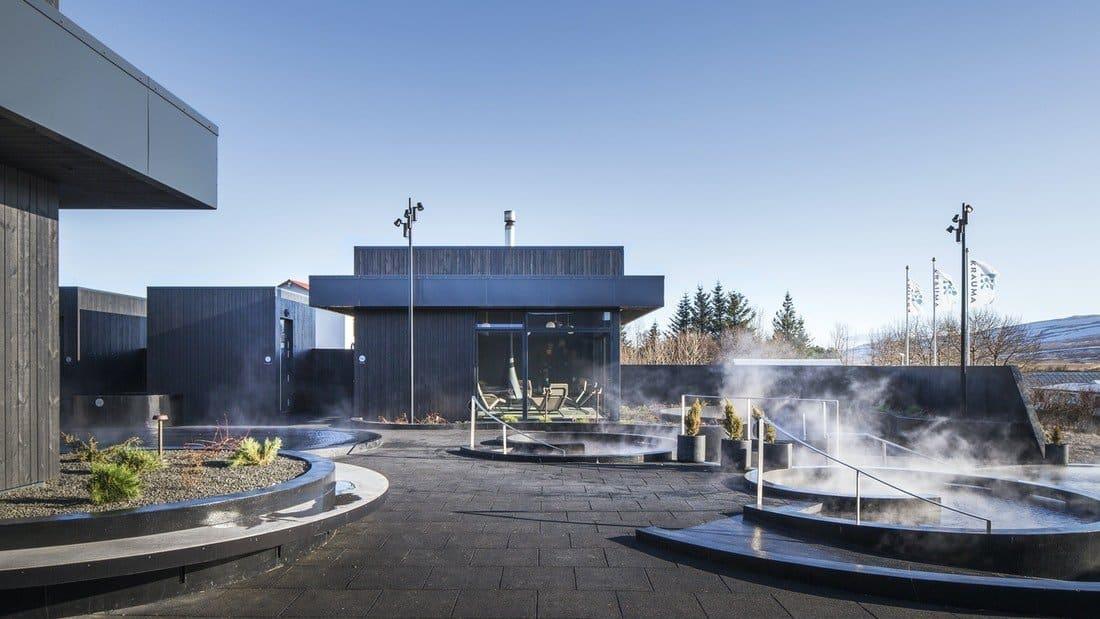 Bains géothermiques de Krauma dans l'ouest de l'Islande