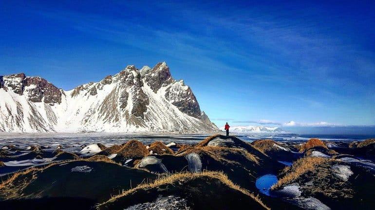 Montagne Vestrahorn dans l'est de l'Islande en hiver