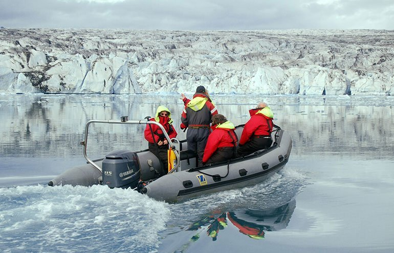 If you want to experience the true size of those glaciers then a zodiac boat tour on Jokulsarlon is what you need to do