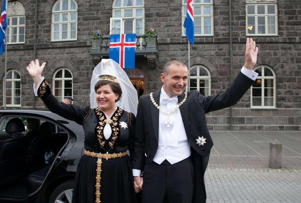 President of Iceland, Guðni Th. Jóhannesson and first lady, Eliza Reid, in front of the Iceland parliament.