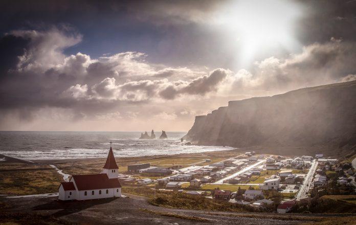 A famous landscape shot of Vik