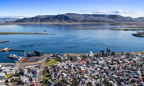 Tour en hélicoptère sur les sommets des montagnes entourant Reykjavik