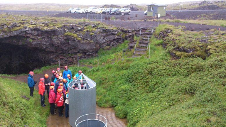 Visite de la grotte de lave de Vatnshellir dans le parc national de Snæfellsnes