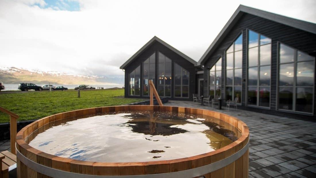 Visitez le Beer Spa dans le nord de l'Islande