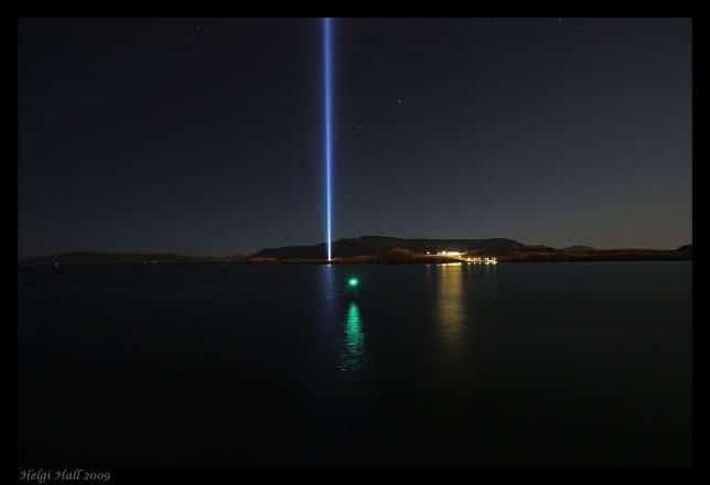 La tour Imagine Peace sur l'île de Videy.