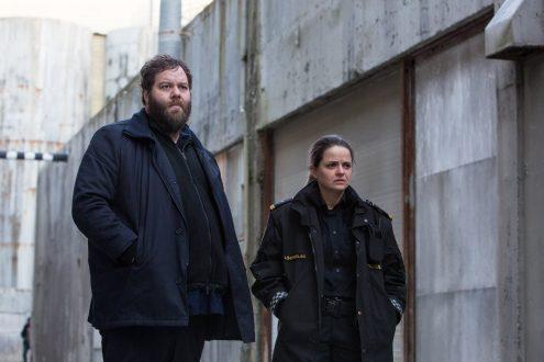 Les policiers Andri et Hinrika de la saison 2 de Trapped.