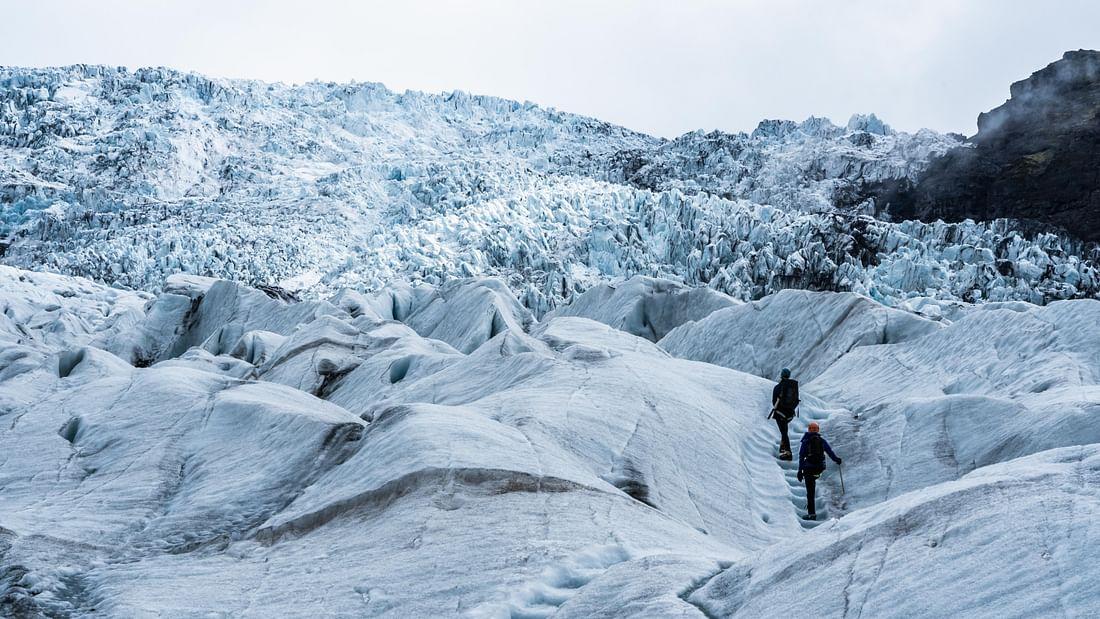 Courte randonnée glaciaire dans le parc national de Vatnajokull