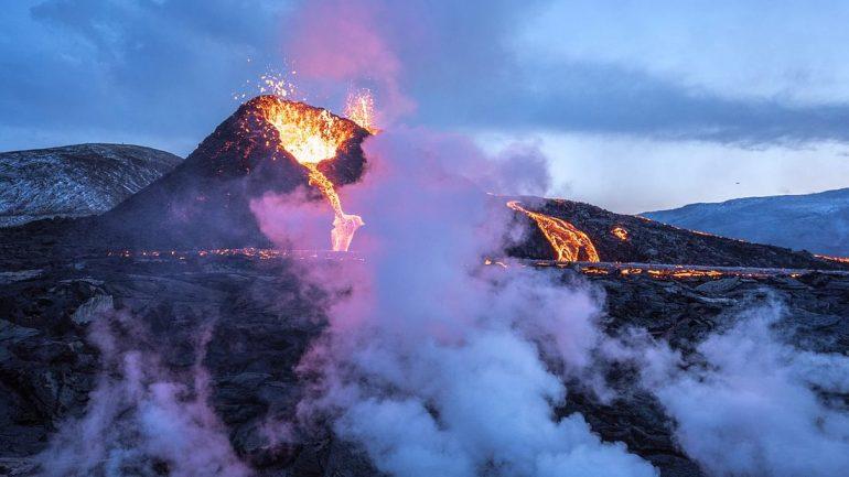 Randonnée à la visite en petit groupe du volcan en éruption avec photos gratuites