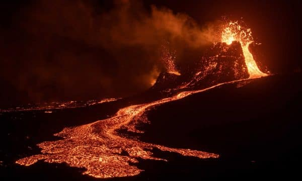 Privately Guided Tour to Erupting Volcano in Iceland