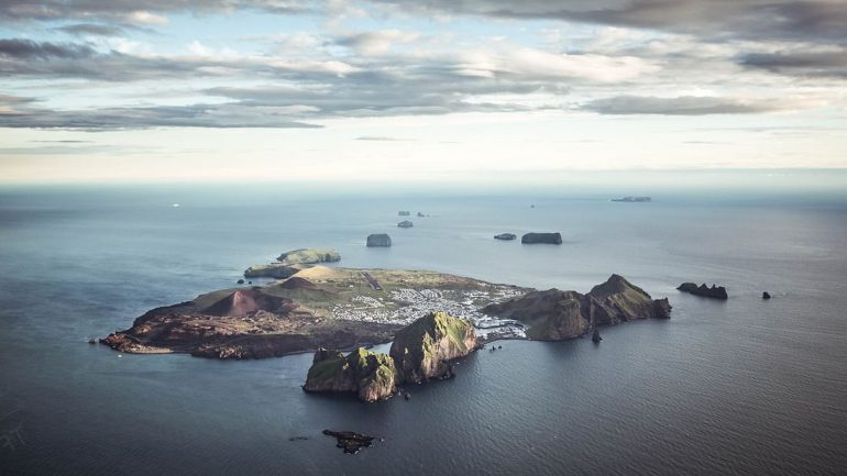 Westman Island Day Tour with Lunch   Volcanoes & Puffins